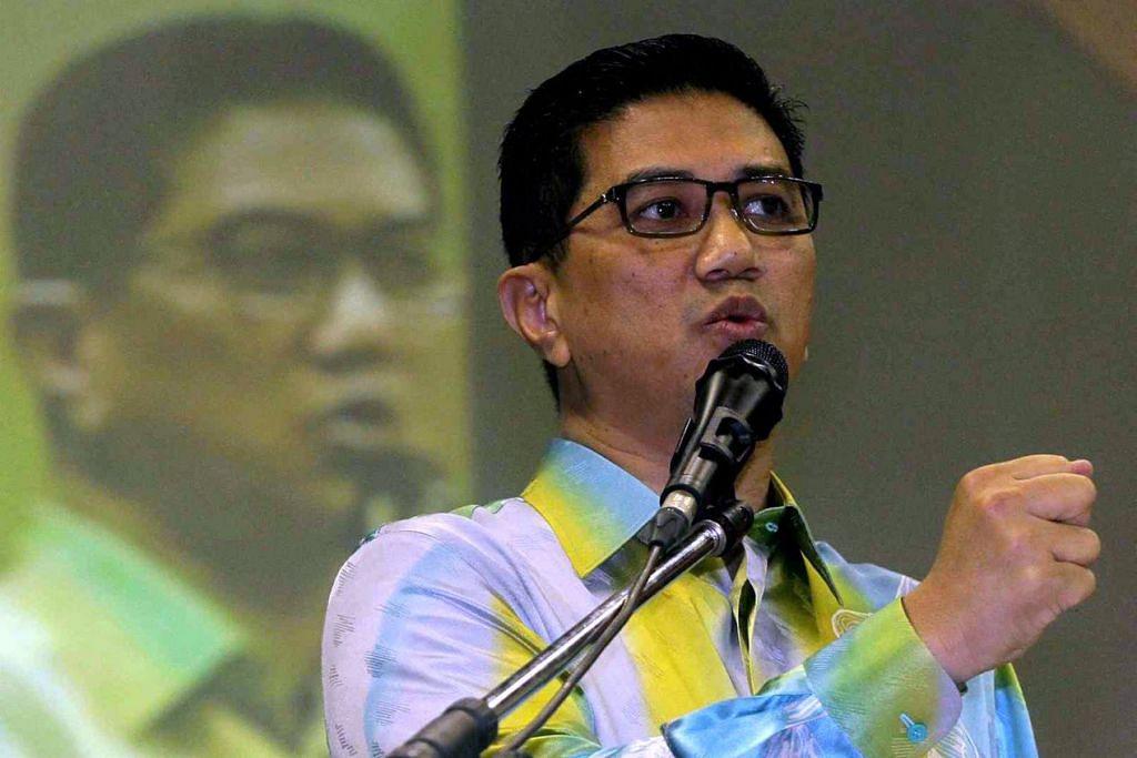 Datuk Seri Azmin memberitahu ahli exco Selangor daripada PAS bahawa PKR mempunyai peluang lebih baik daripada parti Islam itu dalam menentang Umno di Sungai Besar.