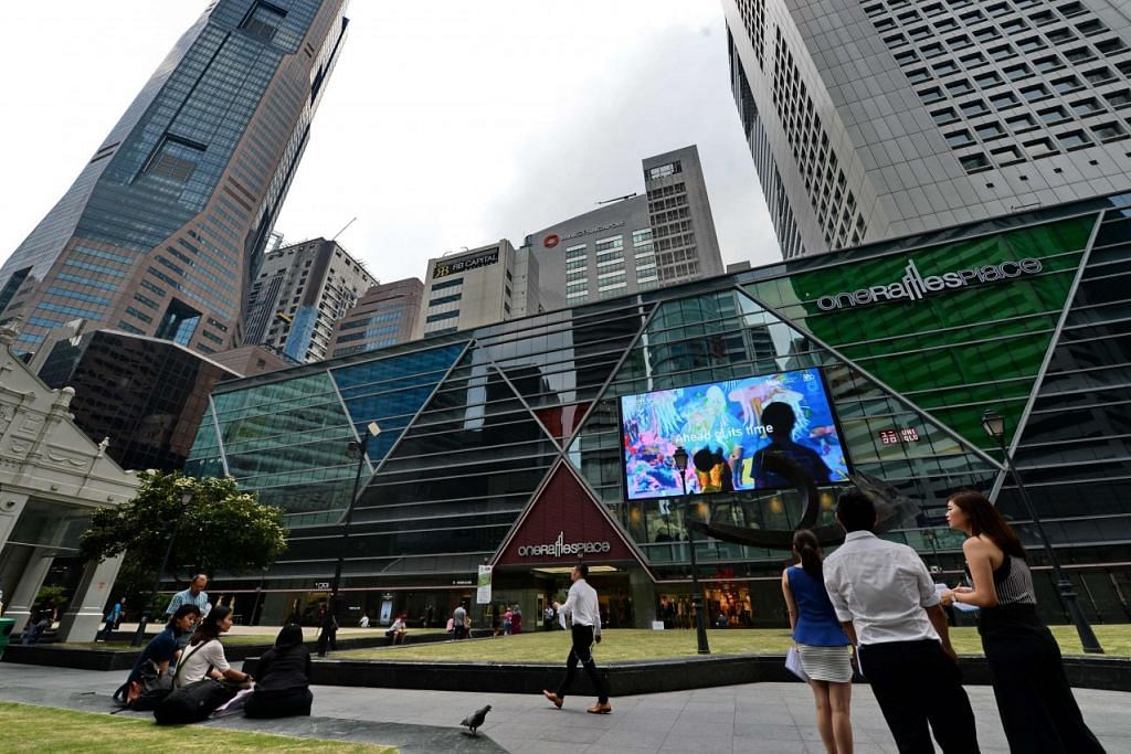 Pemandangan di kawasan kewangan Raffles Place.