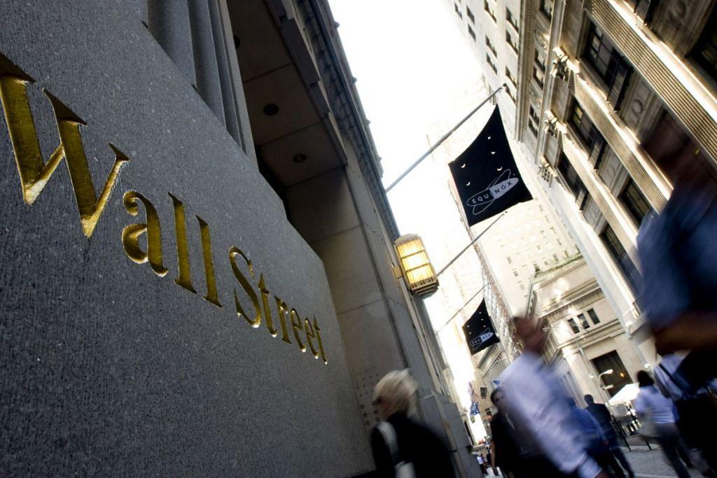 """CABARAN EKONOMI: Ketua Rizab Persekutuan Amerika Syarikat, Cik Janet Yellen pada Jumaat lalu berkata, Bank Pusat Amerika perlu menaikkan kadar faedah """"dalam beberapa bulan akan datang"""" jika pertumbuhan ekonomi bertambah baik dan pasaran buruh berkembang. - Foto BLOOMBERG"""