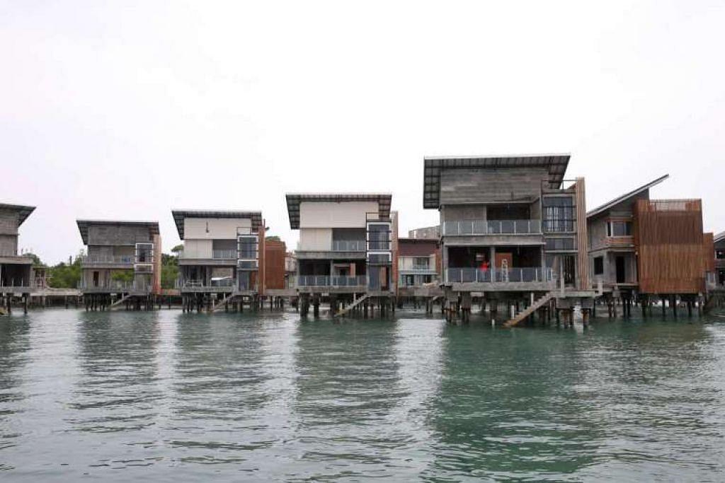 Banglo dalam pembinaan di enam pulau kecil yang dikenali sebagai Pulau Manis, dekat Batam.