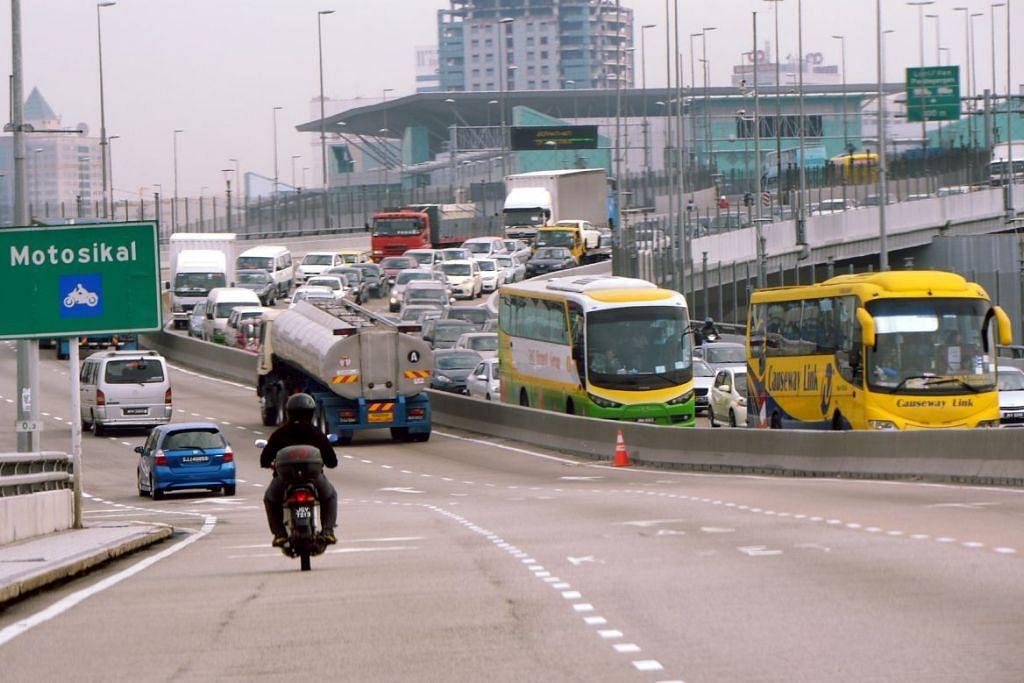 Malaysia melaksana sistem VEP ke atas kereta berdaftar di Singapura mulai Rabu (1 Jun), tetapi pemilik kenderaan tidak dikenakan levi RM20 ($6.60) sedang pihak berkuasa menjalankan ujian hingga 15 Julai.