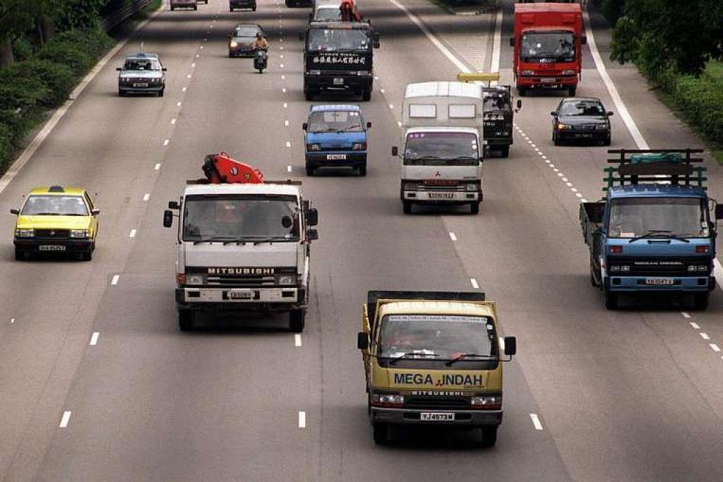 Pemandu lori, trak dan koc yang memohon tiket letak kenderaan musiman mulai 1 Ogos akan dikehendaki menyertai satu kaji selidik pemerintah yang bertujuan mengenal pasti corak perjalanan dan meletak kenderaan berat.