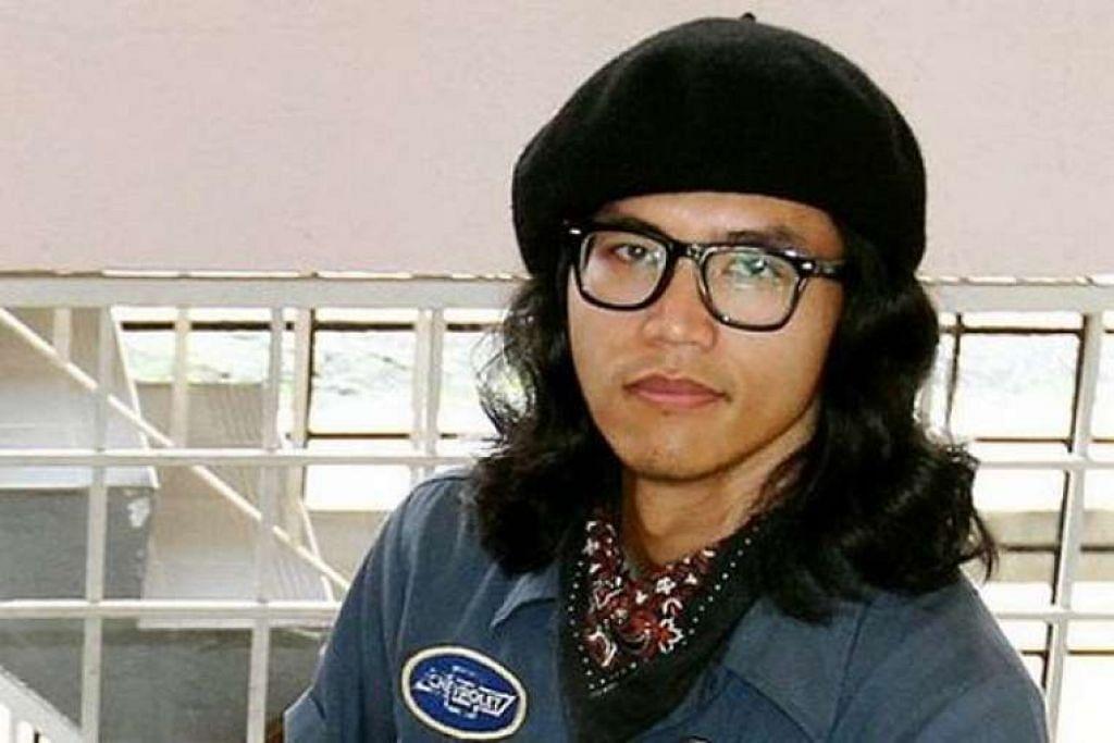 Fahmi Reza didakwa melanggar undang-undang multimedia dengan melukis karikutur Datuk Seri Najib Razak sebagai badut.