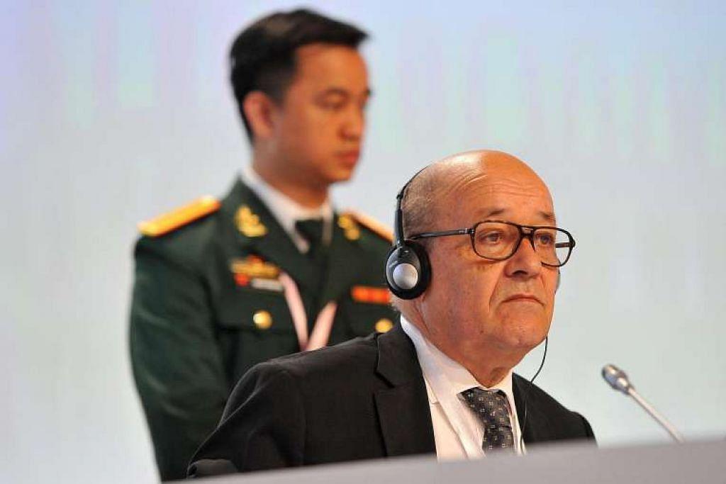 Menteri Pertahanan Perancis, Encik Jean-Yves Le Drian,