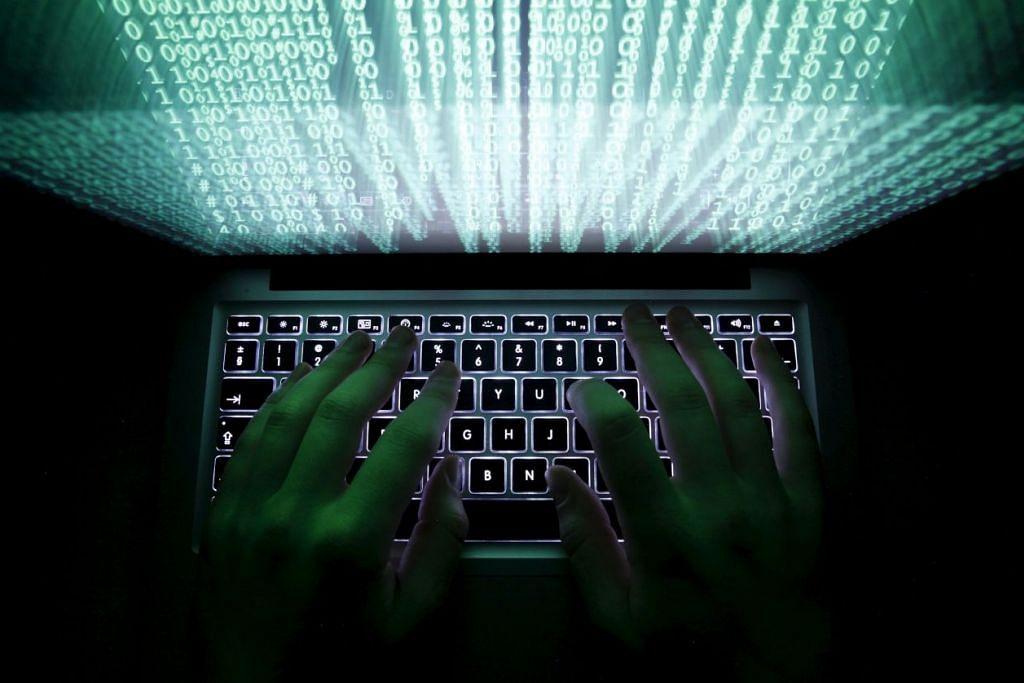 Langkah menghentikan akses Internet di komputer kakitangan awam bertujuan menutup kebocoran yang berpotensi berlaku daripada e-mel kerja dan dokumen yang dikongsi di tengah-tengah ancaman keselamatan memuncak.