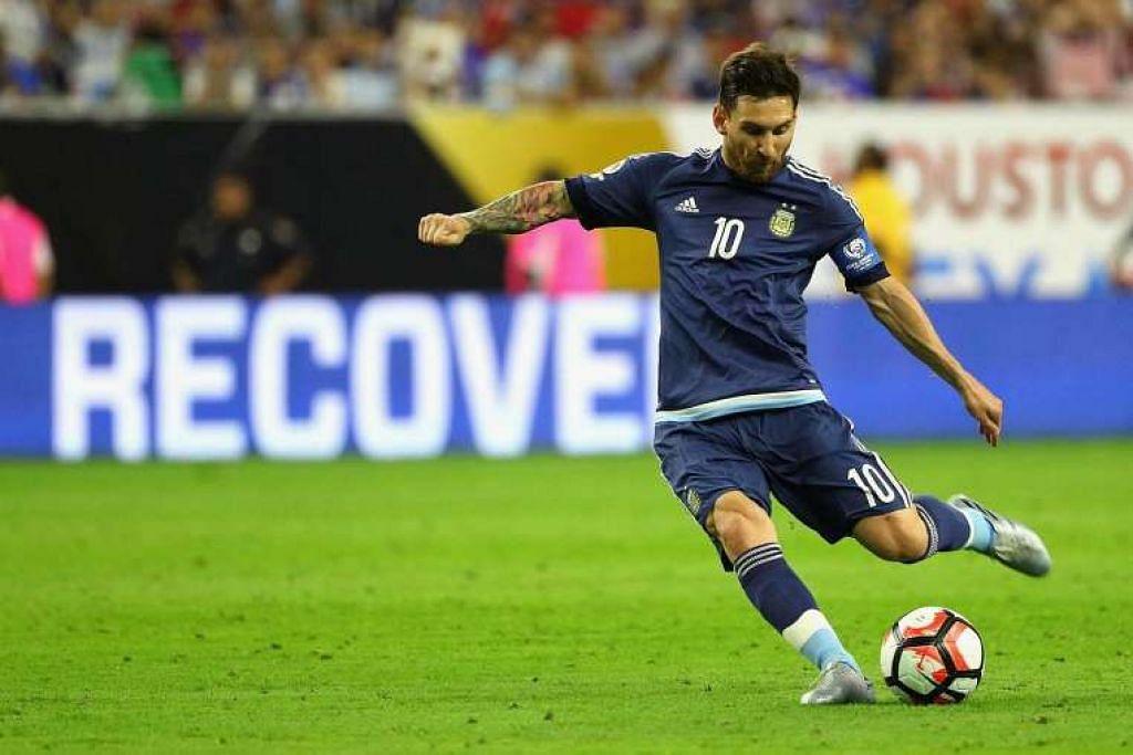 Lionel Messi menjaringkan gol antarabanga ke-55nya bagi Argentina daripada sepakan percuma semasa perlawanan menentang Amerika, sekali gus mengatasi rekod 54 gol Gabriel Batistuta.