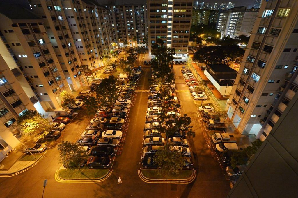 Pemilik kenderaan kedua dan seterusnya serta bukan penduduk akan dikenakan bayaran tempat letak kenderaan lebih tinggi di tempat letak kenderaan HDB.