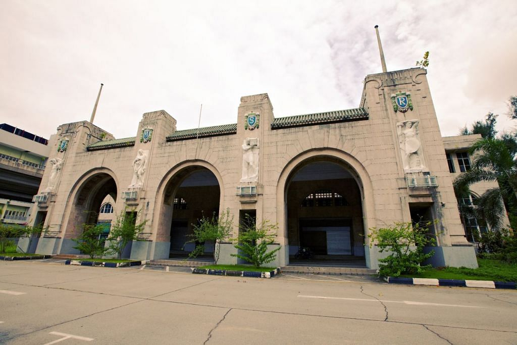 SLA mendedahkan bahawa reka bentuk Stesen Keretapi Tanjong Pagar diilhamkan daripada Stesen Kereta Api Pusat Helsinki, Finland. Empat ukiran besar orang di pintu masuk stesen itu melambangkan Perusahaan, Pertanian, Perdagangan dan Pengangkutan, yang mewakili sektor ekonomi zaman penjajah Singapura.