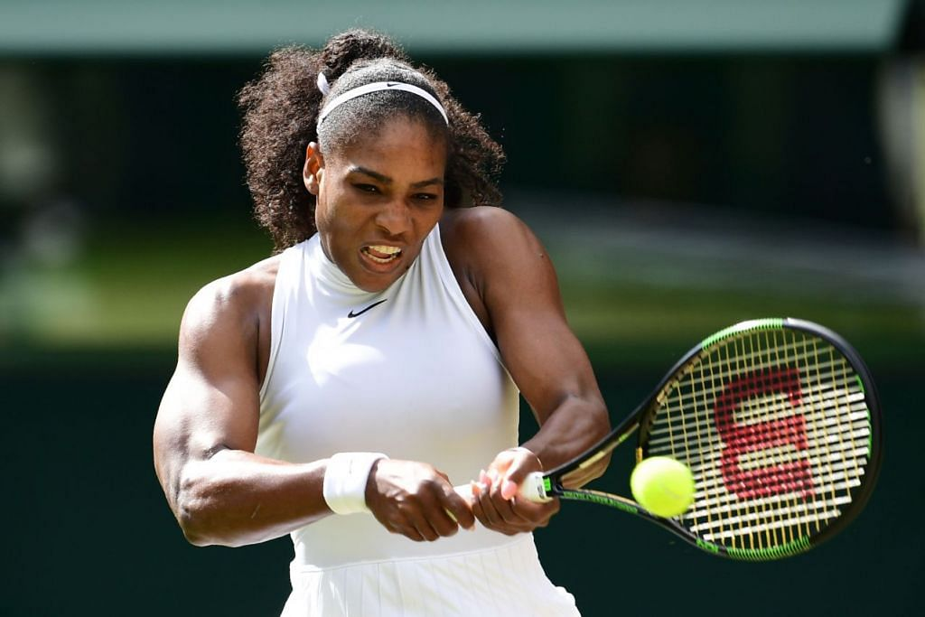 Serena Williams beraksi semasa menentang Anastasia Pavlyuchenkova pada 5 Julai.