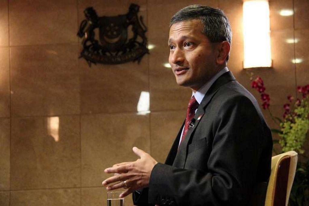 """Dr Vivian Balakraishnan berkata Singapura akan terus melaksana peranannya sebagai penyelaras dialog perkongsian Asean-China """"secara telus, objektif, dengan tujuan memelihara perpaduan dan kredibiliti Asean dengan pada masa sama memajukan hubungan pelbagai aspek dan saling menguntungkan antara kita dengan China""""."""