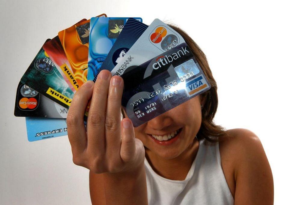 Kajian menunjukkan ada kaitan jelas antara perbuatan berisiko dan kejadian penipuan. Lima perbuatan berisiko yang ditinjau ialah membiarkan telefon pintar tidak dikunci apabila tidak digunakan, membeli-belah atau melakukan perbankan dalam talian tanpa perisian keselamatan, menulis PIN pada kad, melayan e-mel atau panggilan meminta maklumat perbankan, dan membuang penyata bank tanpa dicarik-carik.