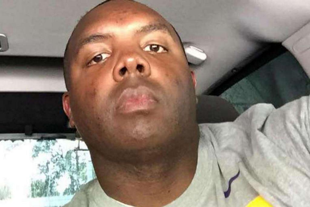 Pihak berkuasa tidak segera menyiarkan nama pegawai polis yang terkorban atau cedera, tetapi saudara-mara dan seorang lelaki  yang berkata beliau rakan ronda salah seorang pegawai yang dibunuh, menyatakan di Facebook dan Twitter bahawa pegawai polis itu ialah Montrell Jackson (atas).