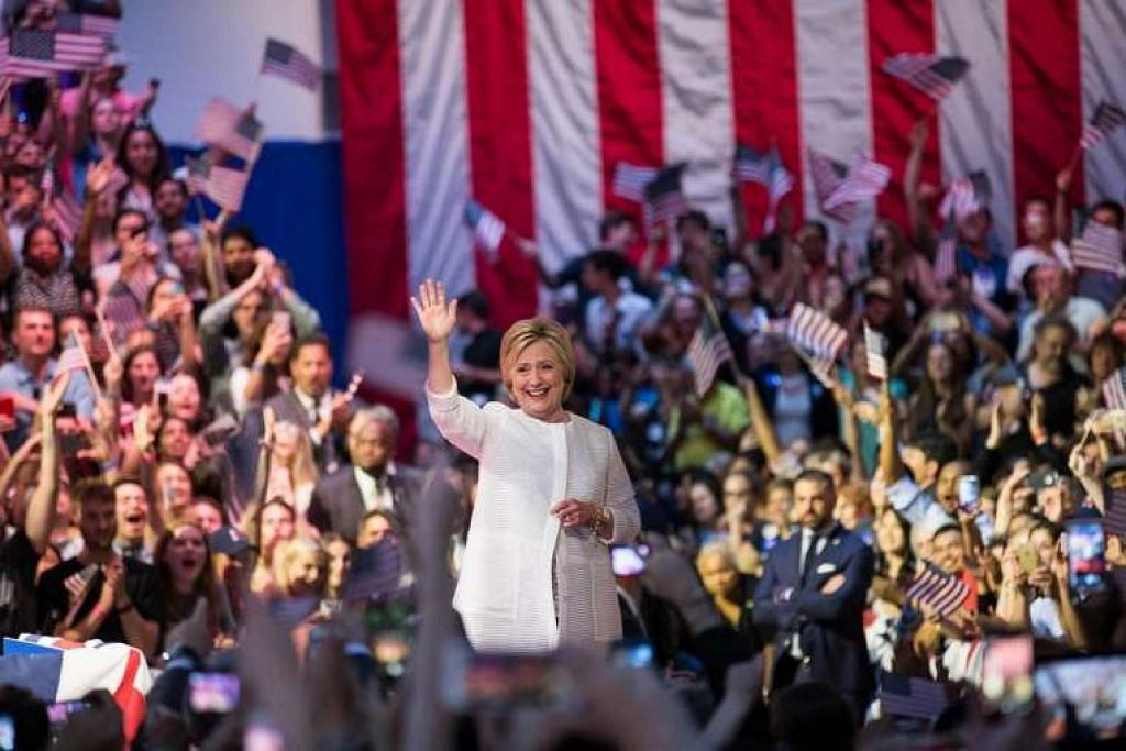 Kem Cik Hillary Clinton kini berusaha menyatukan parti itu untuk mengalahkan Encik Donald Trump pada pilihan raya pada November. .