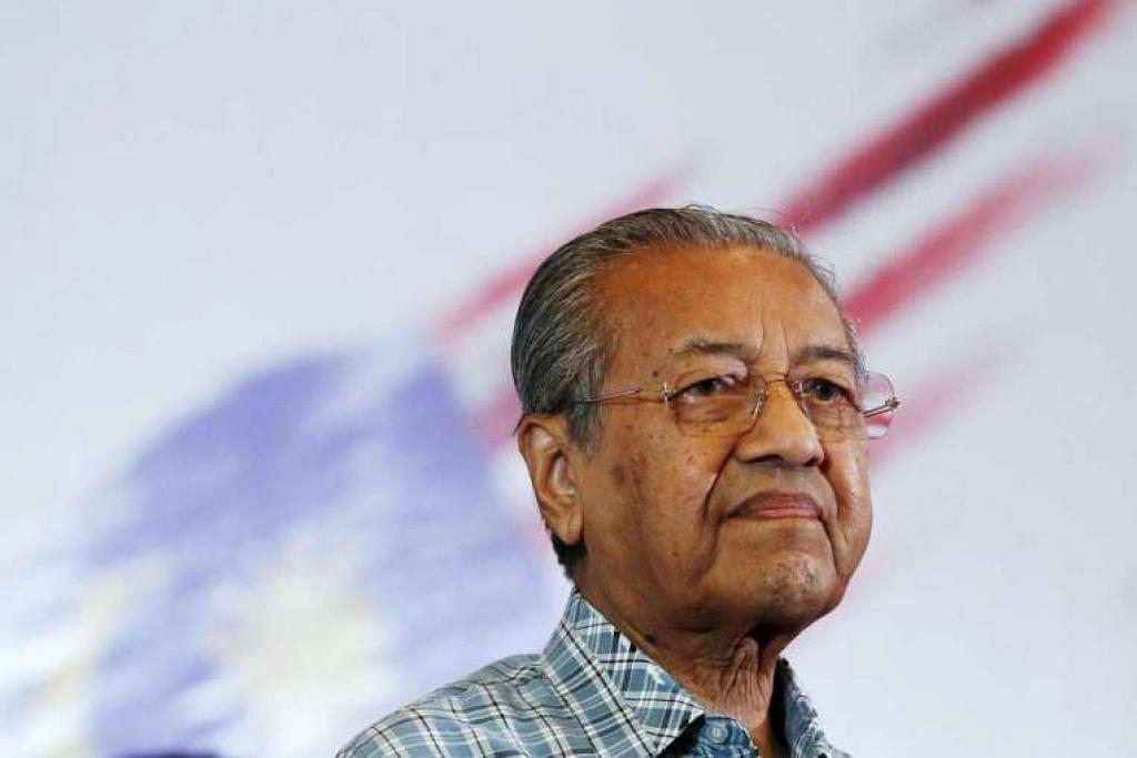 Dr Mahathir, 91 tahun, sibuk sejak beberapa bulan lalu sedang beliau meningkatkan kempen untuk menggulingkan Perdana Menteri Datuk Seri Najib Razak.