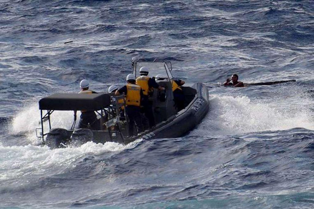 Pengawal Pantai Jepun masih mencari bot nelayan China yang tenggelam itu dan krunya yang hilang.
