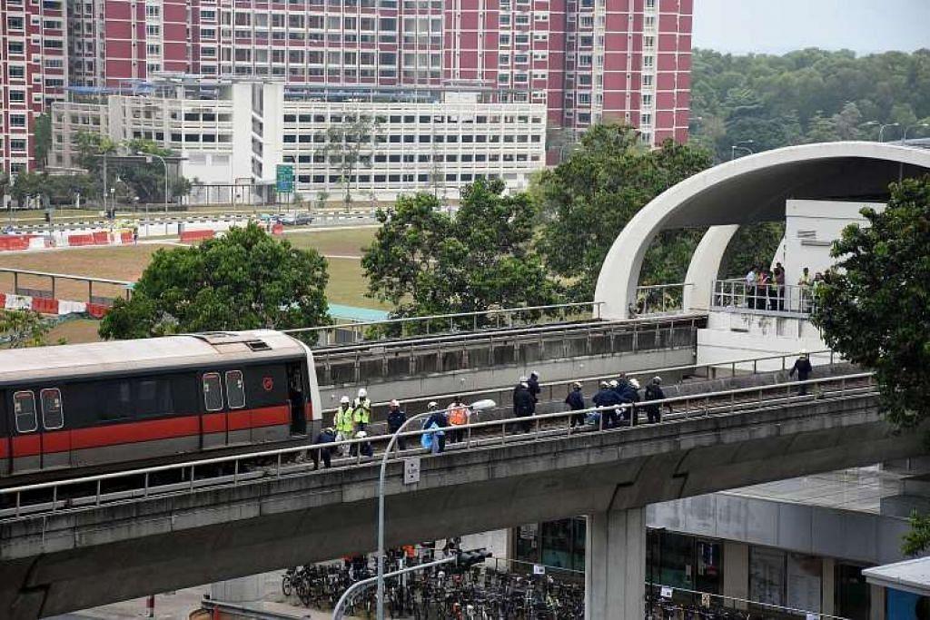 Dua pelatih terbunuh apabila dilanggar sebuah kereta api di landasan berhampiran stesen Pasir Ris pada 22 Mac SMRT berkata pada April kemalangan itu berpunca daripada kegagalan mematuhi langkah-langkah keselamatan.