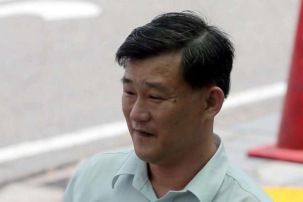 Teo Chye Siong dipenjara 10 bulan kerana seks dengan budak pwerempuan berusia 14 tahun. Mahkamah diberitahu bahawa dia tahu budak itu masih di bawah umur, tetapi terus menghantar mesej lucah di Facebook mengenai mengadakan hubungan seks dengannya.