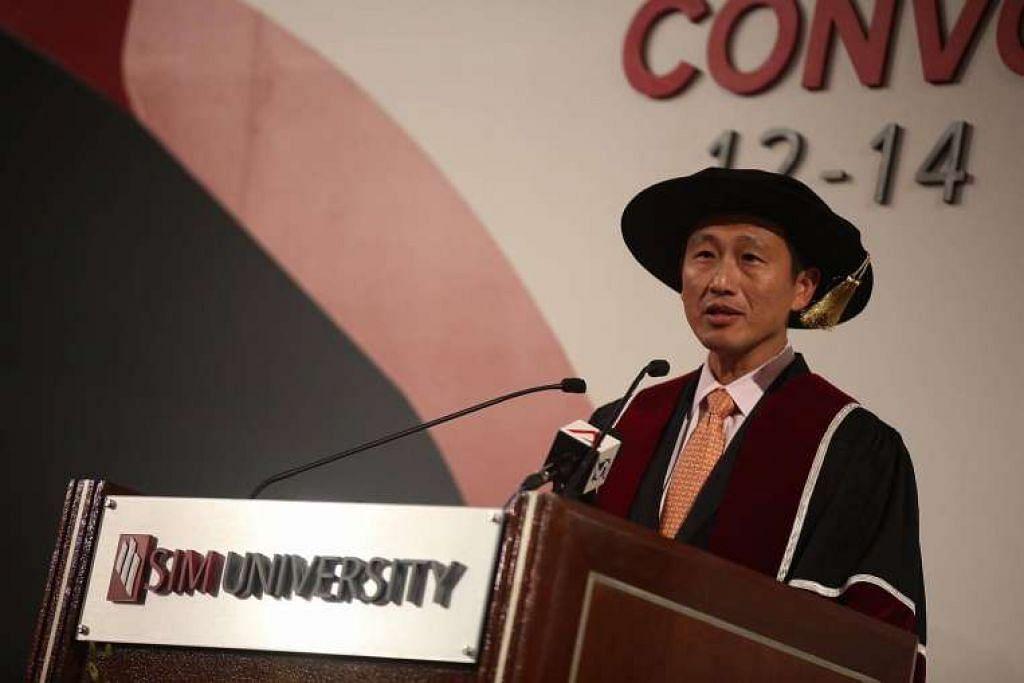 Pemangku Menteri Pendidikan (Pengajian Tinggi dan Kemahiran), Encik Ong Ye Kung, di konvokesyen UniSIM pada pagi Rabu (12 Okt).