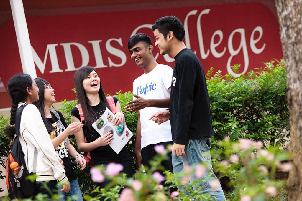Pelajar di MDIS College.