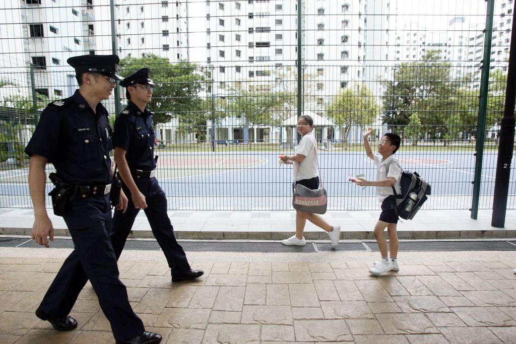 Singapura menduduki tempat pertama bagi ketenteraman dan keselamatan serta penguatkuasaan kawal selia dalam Indeks Kedaulatan Undang-undang 2016 yang disusun oleh Projek Keadilan Dunia (WJP).