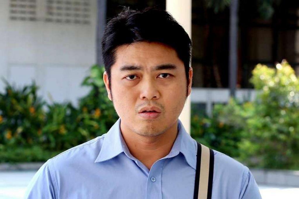 Bryan Lim Sian Yang di luar Mahkamah Negara pada 30 Jun 2016, selepas dia didakwa.