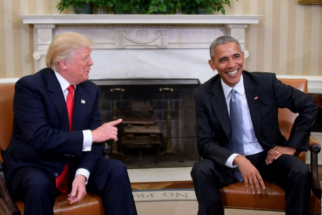 Presiden Amerika Syarikat, Encik Barack Obama, bertemu bakal presiden Donald Trump di Pejabat Oval di Rumah Putih pada 10 November 2016 di Washington, DC.