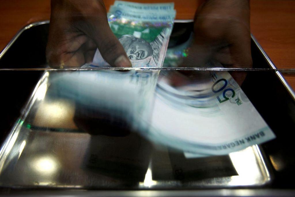 Pelabur kekal berhati-hati mengenai langkah yang mungkin diambil Bank Negara Malayasia bagi mempertahankan ringgit.