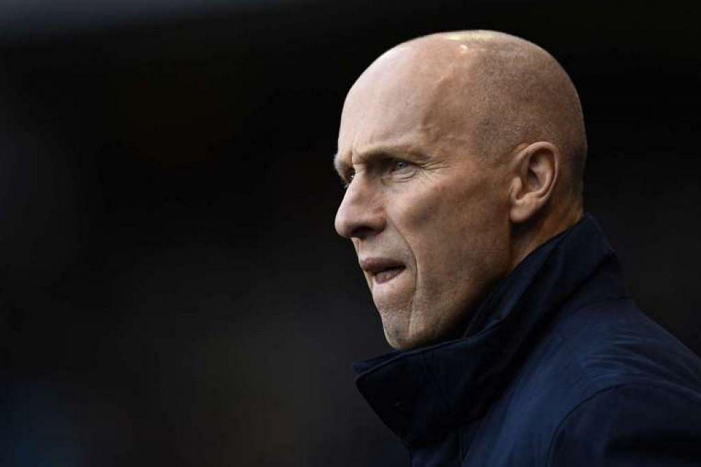 Bob Bradley dipecat selepas memimpin hanya 11 perlawanan Swansea City.