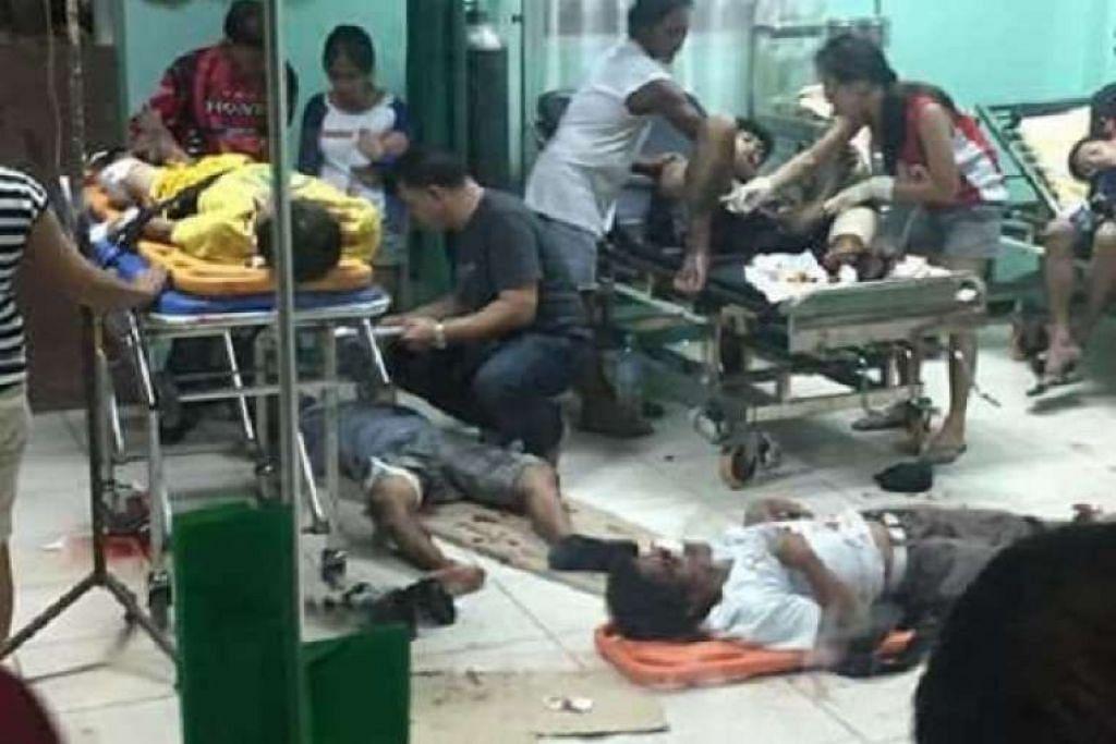 Mangsa letupan di plaza bandar di Hilongos, di wilayah Leyte, Filipina, diberi rawatan kecemasan di hospital tempatan pada Rabu (28 Dis).