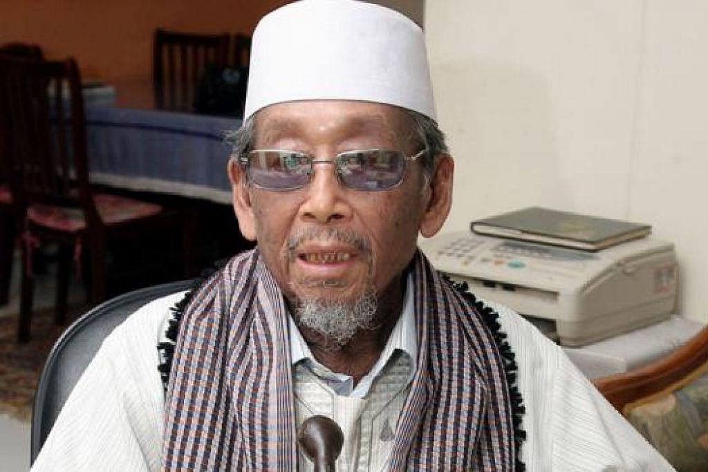 USTAZ AHMAD SONHADJI MOHAMAD (1922-2010): Karyanya tersebar luas.
