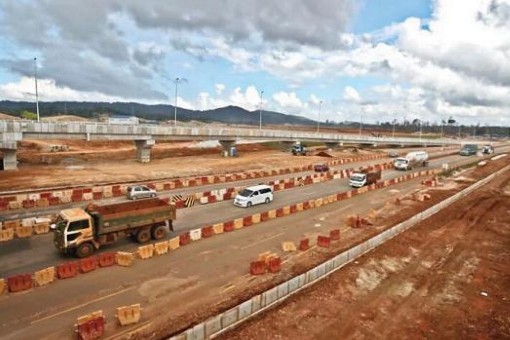 DIARAH HENTI KEGIATAN: Isu pencemaran telah memaksa kabinet Malaysia menggantung kegiatan melombong dan eksport bauksit di negeri Pahang selama tiga bulan bermula 15 Januari ini. - Foto NSTP