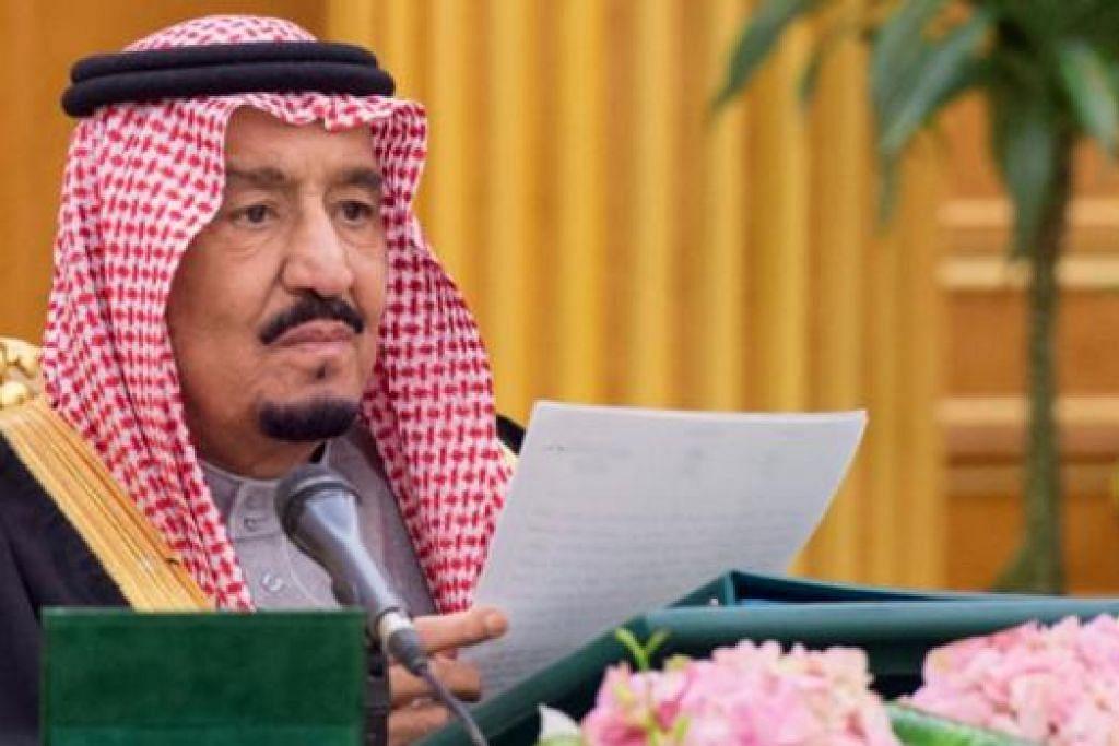 UMUM DEFISIT: Raja Salman bin Abdul Aziz dari Arab Saudi mengumumkan negara itu mengalami defisit AS$98 bilion ($138 bilion) berikutan penurunan mendadak harga minyak. - Foto AFP