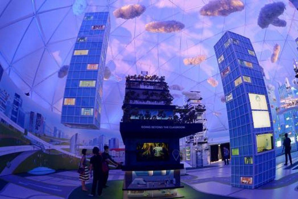 KEDIAMAN MASA DEPAN: Di zon ini pula, pengunjung boleh melihat idea menarik yang boleh menjadi kenyataan di masa depan. Antaranya ialah masyarkat berkebun di bangunan tinggi dan rumah masa hadapan yang mungkin dibekalkan sumber tenaga elektrik mampan.