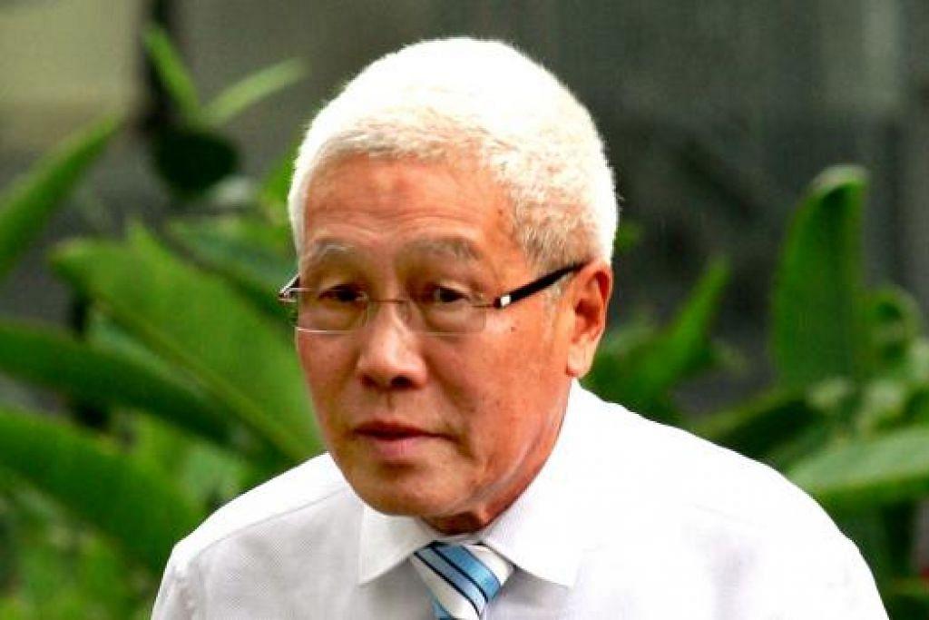 Winston Lee Siew Boon, 72 tahun, didenda $3,000 pada Selasa (12 Jan) kerana membuat pengisytiharan palsu apabila cuba memperbaharui sijil perkhidmatannya. Gambar fail The Straits Times