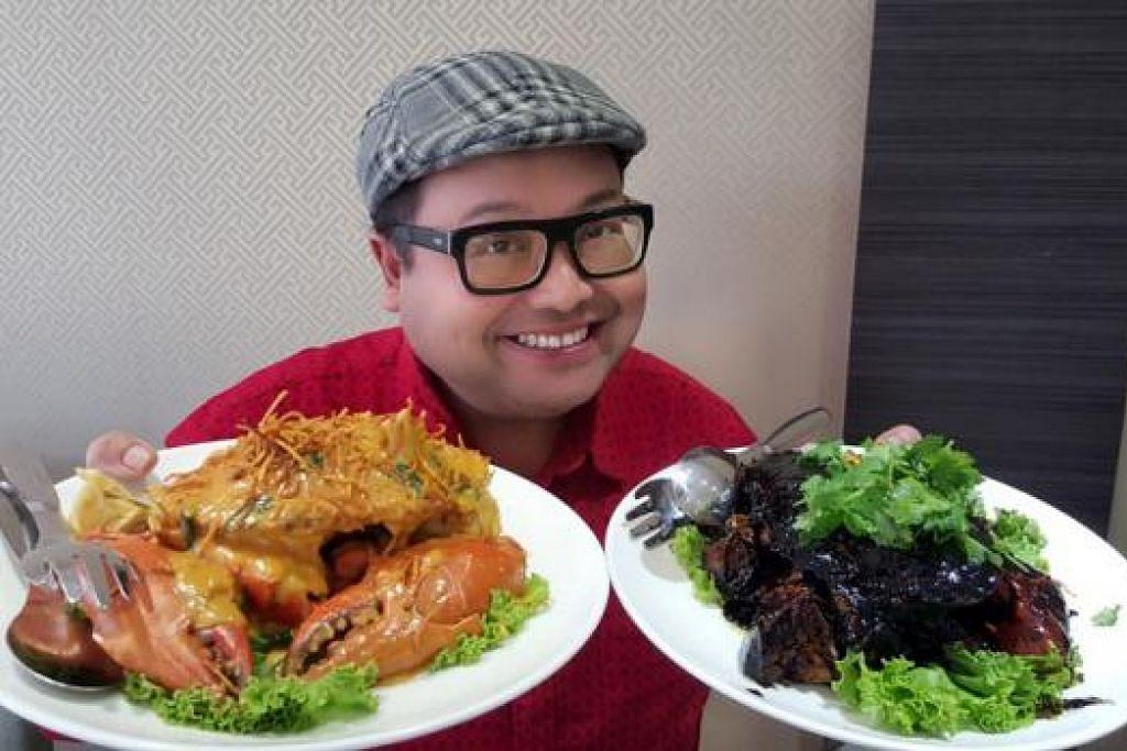 SUNGGUH MENYELERAKAN: Pelbagai masakan ketam seperti Salted Egg Crab dan Black Pepper Crab yang disajikan oleh Home of Seafood cukup sempurna dari segi persembahan, kehangatan dan rasa.