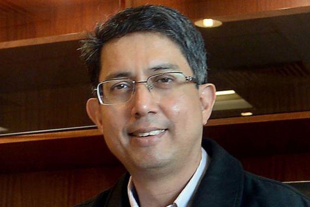 DR FAISHAL: SkillsFuture satu insiatif penting membekalkan warga Singapura dengan ciri-ciri penting.