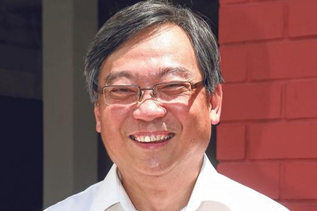 ENCIK GAN KIM YONG: MOH juga akan memberi tumpuan pada karyawan jagaan kesihatan dengan memanfaatkan inisiatif SkillsFuture bagi memperkukuh laluan kerjaya jagaan kesihatan.