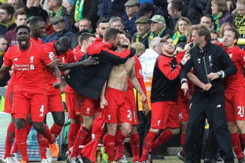 PERLAWANAN GENTING: Pemain Liverpool perlu menunjukkan persembahan pertahanan lebih perkasa apabila bertemu Stoke nanti. Ia melepaskan empat gol kepada Norwich hujung minggu lalu. - Foto AFP