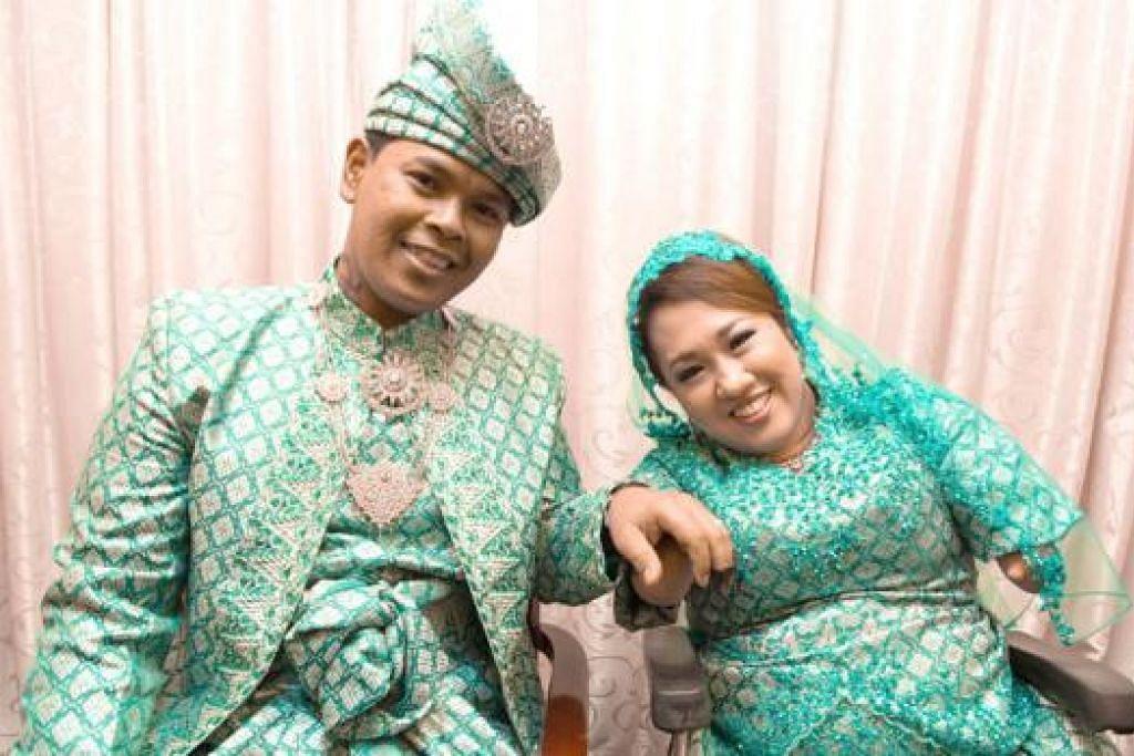 SAH SUAMI ISTERI: Encik Roslee dan Cik Nur Madiah akhirnya sah menjadi suami isteri setelah upacara akad nikah di ROMM 12 Februari lalu. - Foto AMIRUL ASYRAF BARE INDEPENDENT
