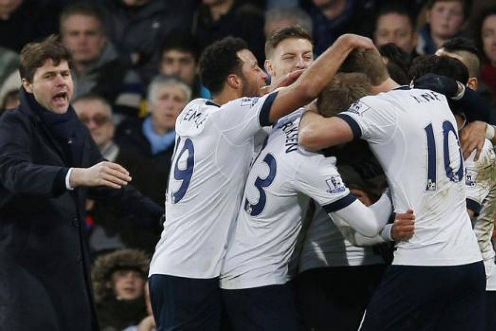 BERSAING DI PUNCAK: Di bawah bimbingan Mauricio Pochettino (kiri), Spurs hanya tewas tiga kali sepanjang musim ini dan melepaskan hanya 20 gol dalam 26 perlawanan. - Foto REUTERS