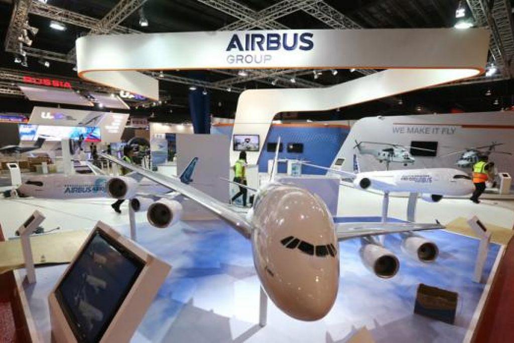 REKOD PRESTASI: Pertunjukan Udara Singapura 2016 berjaya menarik penyertaan lebih 1,000 syarikat dari 50 buah negara. – Foto THE STRAITS TIMES