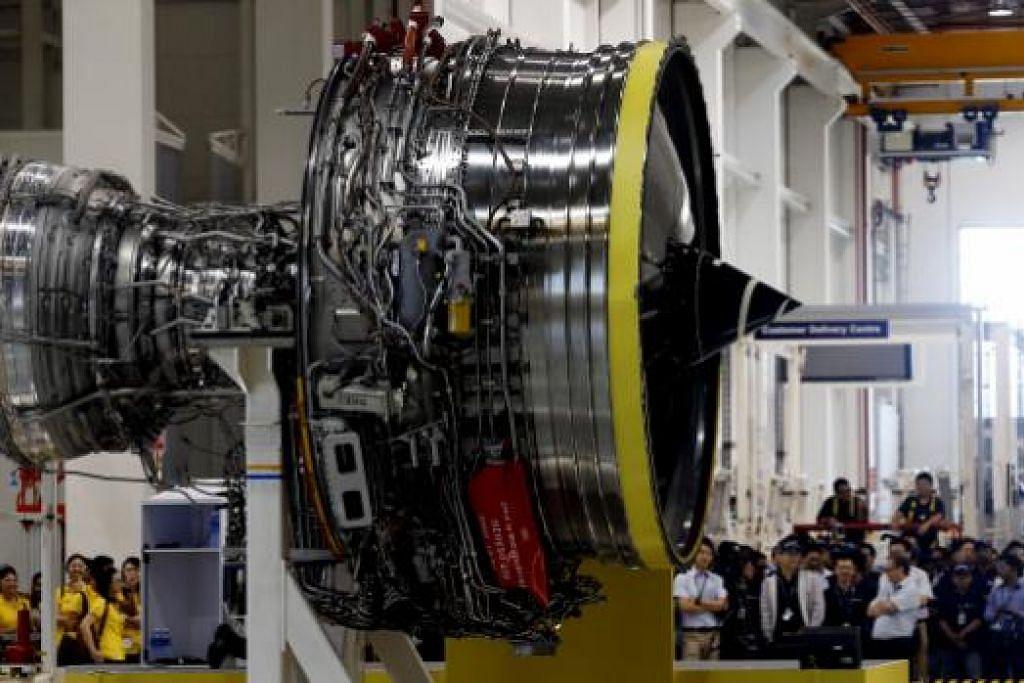 Rolls-Royce melancarkan sebuah enjin Trent 1000 barunya di Taman Aeroangkasa Seletar Aerospace tahun lalu. Hampir keseluruhan enjin itu dipasang dan diuji di Seletar. Komponen utamanya - bilah kipas - juga dibuat di Singapura. Gambar fail ST
