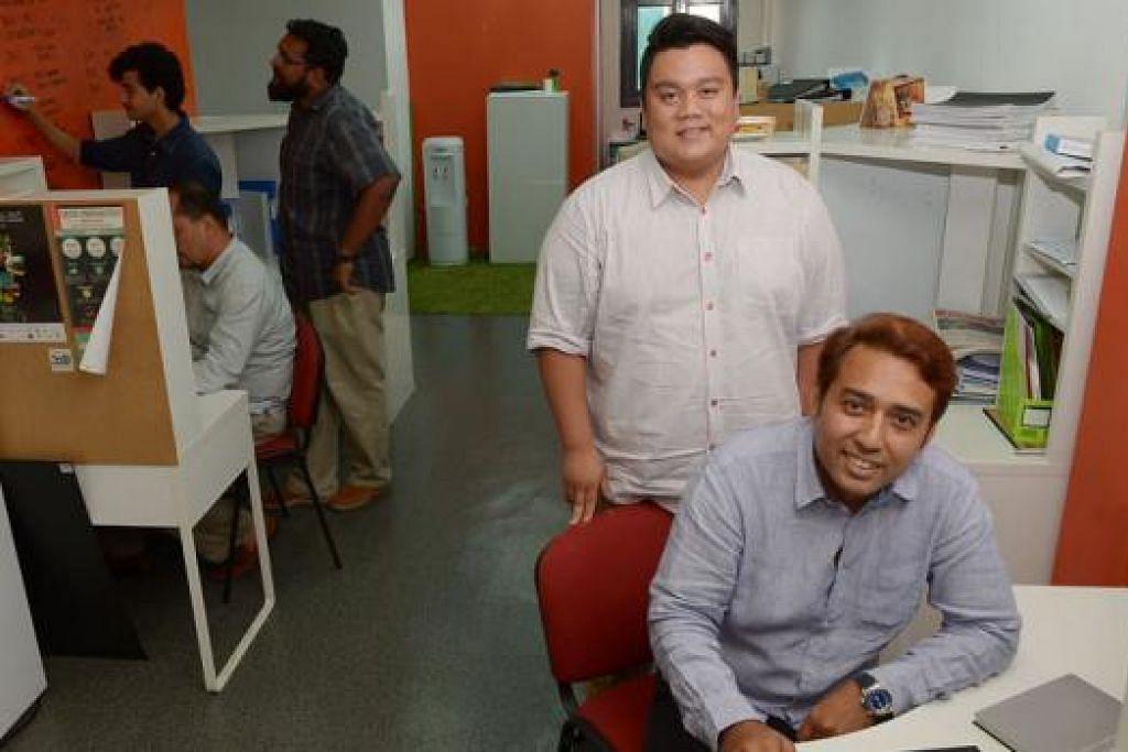 KUKUHKAN NIAGA:Tengku Sri Indra (dua dari kanan) dan Encik Stahlmann (kanan) berani melabur dalam firma Amerika untuk menambah nilai dalam perniagaan mereka sedang persaingan perniagaan semakin sengit. - Foto TUKIMAN WARJI
