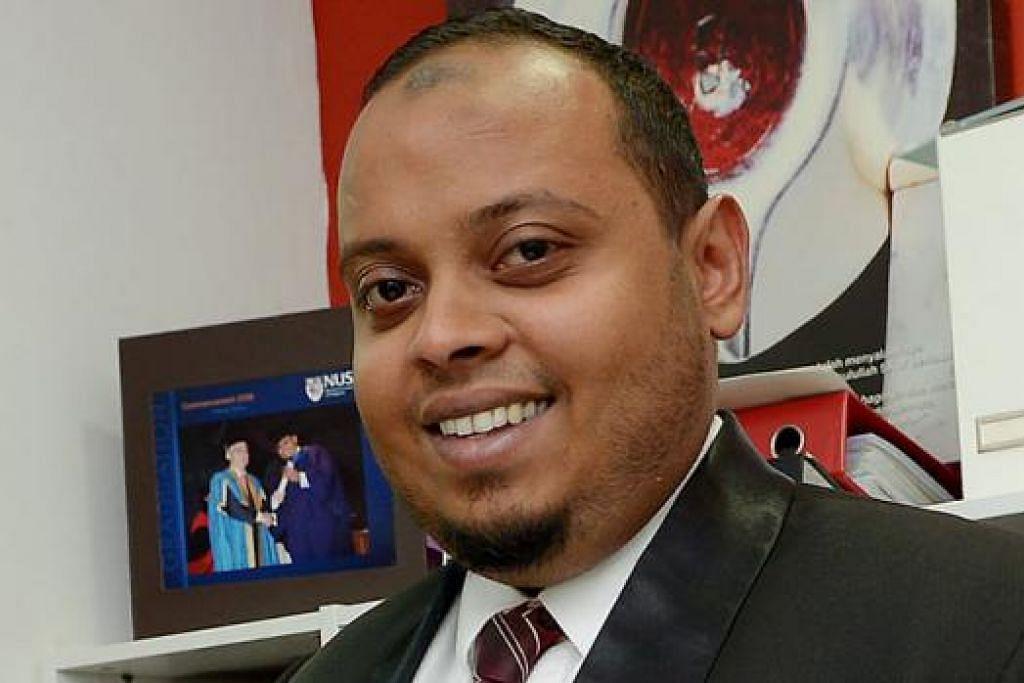 ENCIK ABDUL RAHMAN: Ramai bertugas dalam industri berkaitan perundangan dan ada kelayakan.