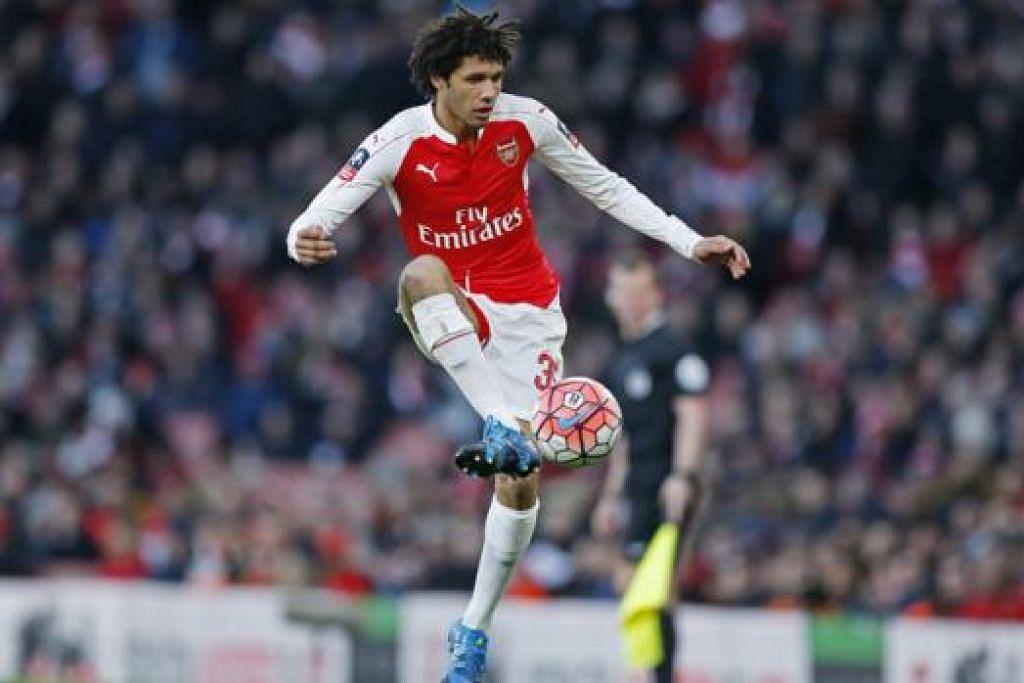 MOHAMED ELNENY: Pemain Arsenal dari Mesir ini berpeluang menunjukkan kehebatan apabila diturunkan semasa pasukannya menentang Hull City hari ini. - Foto REUTERS
