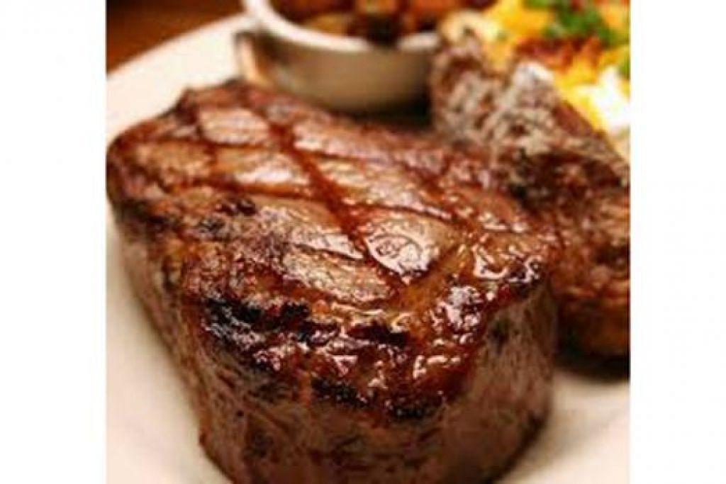 RIBEYE STEAK: Daging yang tersangat lembut dan berperisa dicecah bersama sos cendawan.
