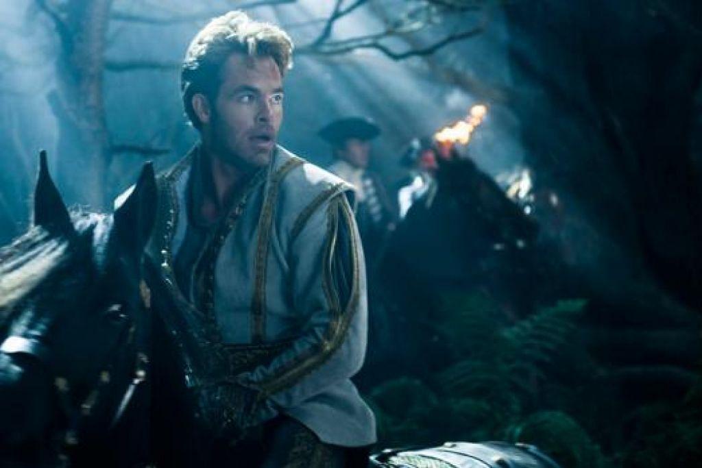BERBAKAT: Chris Pine menjayakan watak putera dalam kisah Cinderella menerusi filem 'Into The Woods'. - Foto-foto AFP dan WALT DISNEY PICTURES