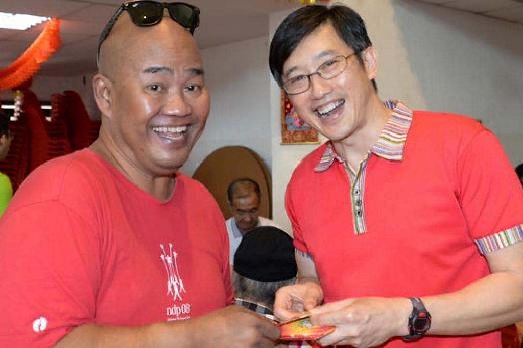 Encik Mohd Jais Minsawi (kiri) dan Encik Teo Ser Luck (kanan) - Foto ZAINAL YAHYA