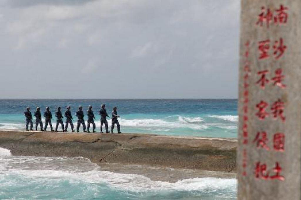Askar Tentera Pembebasan Rakyat (PLA) Chima sedang meronda di Kepulauan Spratly, yang dikenali di China sebagai Kepulauan Nansha. Gambar REUTERS