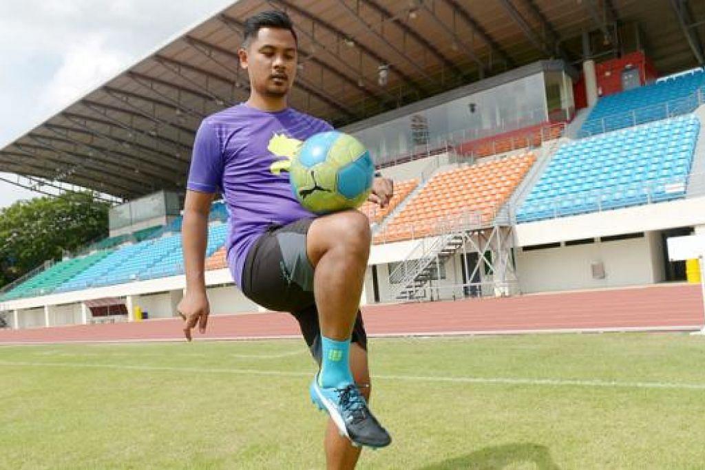 JURULATIH AKADEMI BELIA: Naib juara pertandingan nyanyian realiti Anugerah 2005, Syed Azmir Syed Azman, kini lebih selesa menjadi jurulatih bola sepak di Kelab Bola Sepak Home United (HUFC). - Foto TUKIMAN WARJI